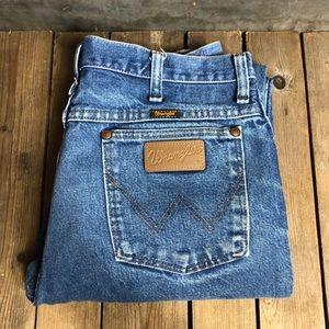 Sexy Vintage Men's Wrangler Distressed Jeans